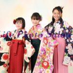 卒業記念にお友達と綺麗に袴姿の写真撮影